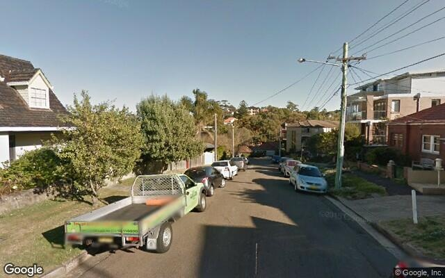 parking on Bay St in Coogee NSW 2034