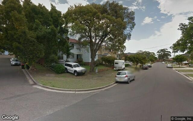 parking on Brisbane St in Chifley NSW 2036