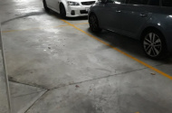 Parking Photo: Coranderrk Street  Canberra ACT  Australia, 44450, 167448