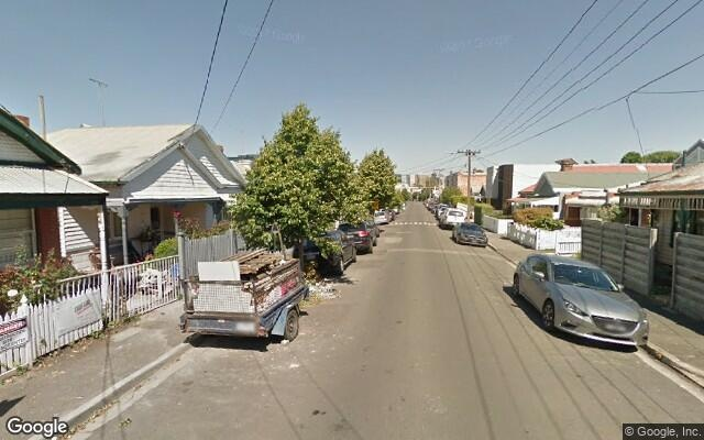 parking on Crown St in Richmond VIC 3121