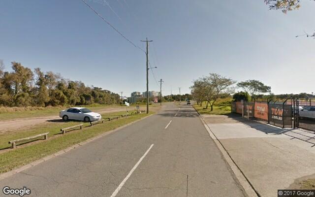 Parking Photo: Curtin Avenue West  Hamilton  Queensland  Australia, 15359, 52338