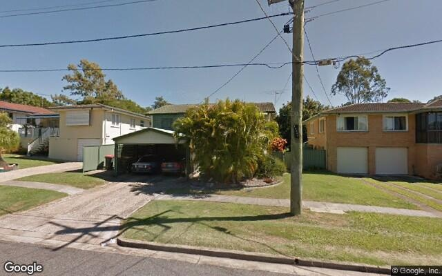 parking on Dykes St in Mount Gravatt East QLD 4122