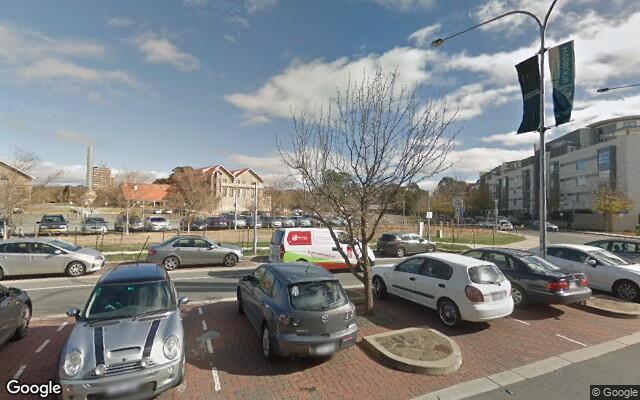 parking on Eastlake Parade in Kingston