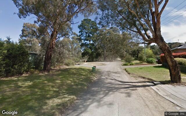 Parking Photo: Edinburgh Street  Diamond Creek VIC  Australia, 33717, 111349
