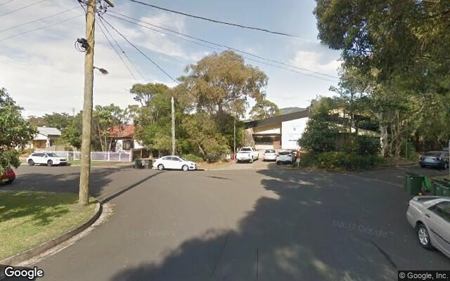 parking on Hindmarsh Ave in North Wollongong
