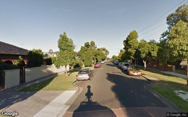 Parking Photo: Kemp Street  Thornbury VIC  Australia, 30510, 101410