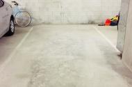 Parking Photo: Kyabra Street  Newstead  QLD  4006  Australia, 32106, 105594