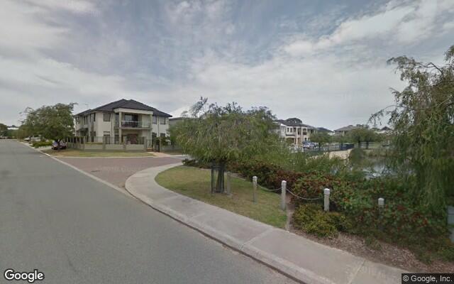 Parking Photo: Le Var Parkway  Belmont WA  Australia, 30618, 101245