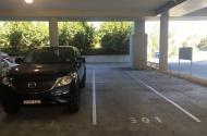 parking on Lexington Drive in Bella Vista