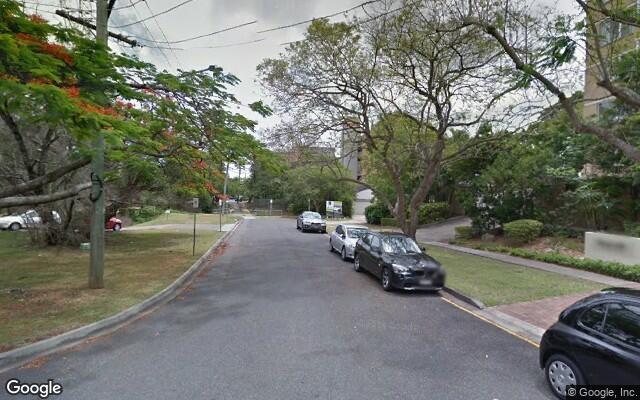 Parking Photo: Macquarie St  St Lucia QLD 4067  Australia, 33512, 112246