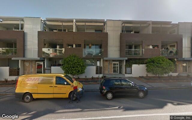 Parking Photo: Macquarie Street  Teneriffe QLD  Australia, 23688, 82429