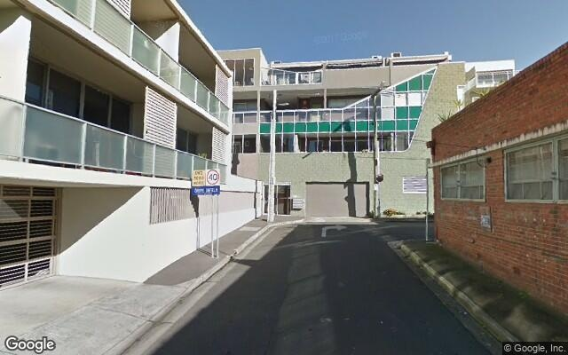 parking on Napoleon St in Collingwood VIC 3066
