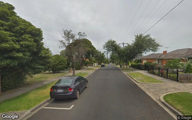 Secure parking space available in burwood.