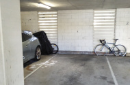 Parking Photo: Old Burleigh Road  Surfers Paradise QLD  Australia, 31105, 99004