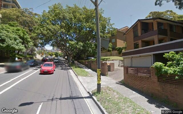 parking on Old South Head Road in Bellevue Hill