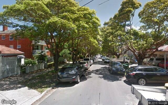 parking on Onslow Street in Rose Bay