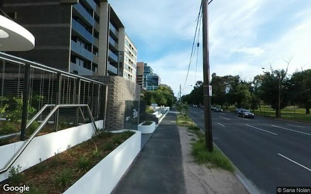 parking on Queens Road in Melbourne VIC 3004