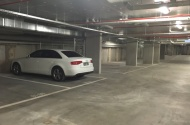 Parking Photo: Queensberry Street  North Melbourne VIC  Australia, 30495, 102288