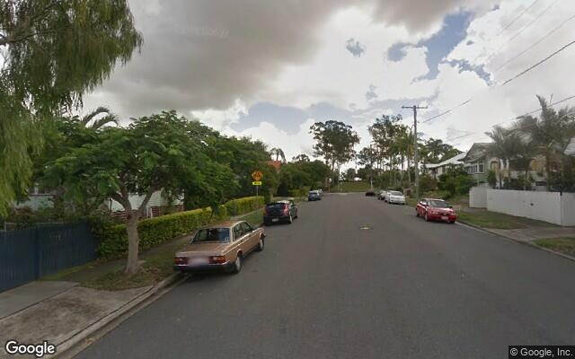 parking on Rawnsley Street in Dutton Park QLD