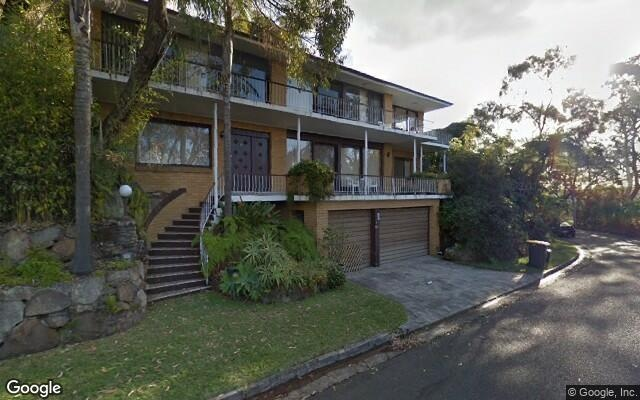 parking on Rembrandt Drive in Middle Cove NSW 2068
