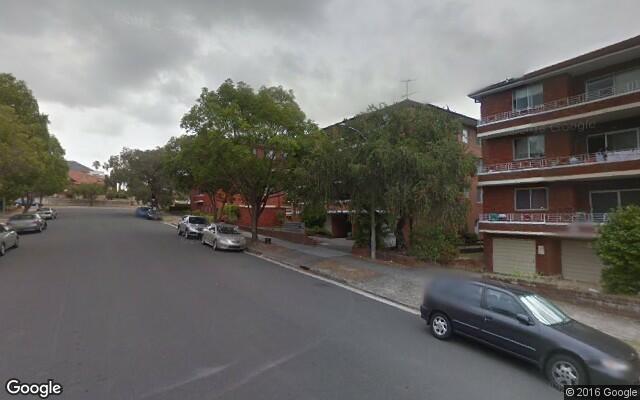 parking on Robertson Street in Kogarah