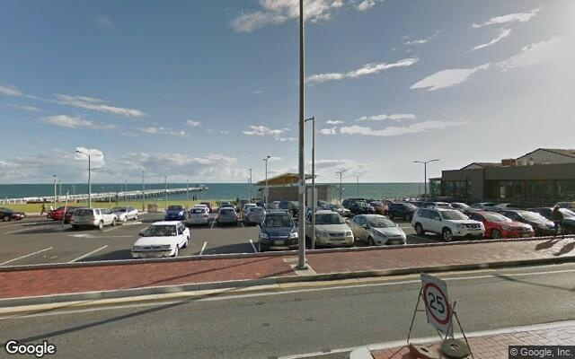 parking on Seaview Rd in Henley Beach SA 5022