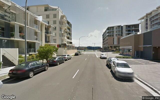 parking on Shoreline Dr in Rhodes