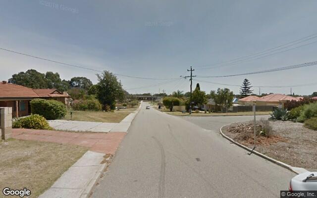 Parking Photo: Spring Rd  Thornlie WA 6108  Australia, 33760, 112049