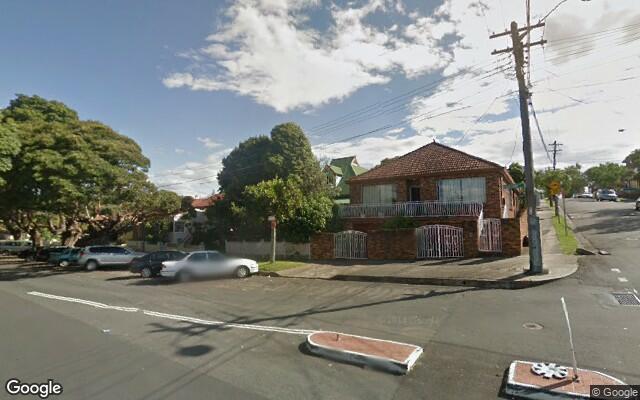 parking on Warren Rd in Marrickville NSW 2204