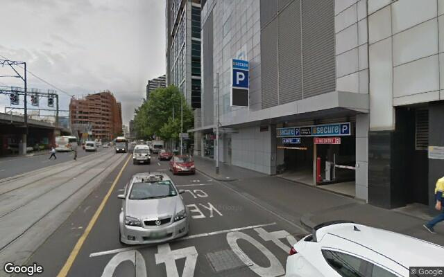 parking on William Street in Melbourne