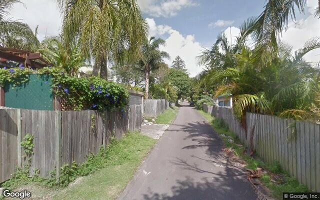 parking on Wyuna Ave in Freshwater NSW 2096