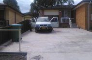 parking on Phyllis Ave in Kanwal NSW 2259