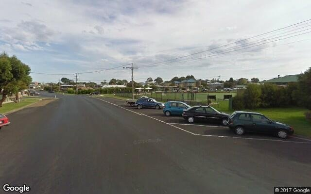 parking on Pascoe Street in Apollo Bay