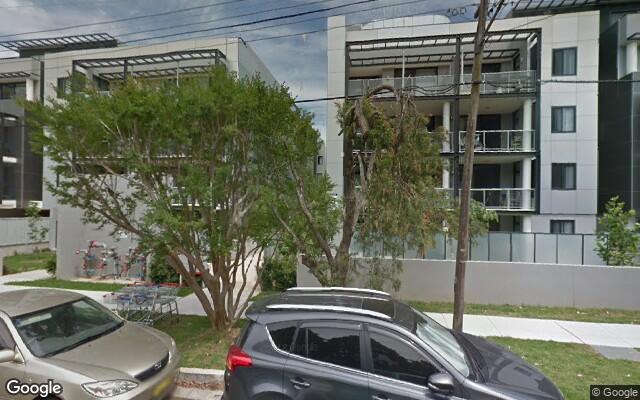 parking on Balmoral St in Waitara NSW 2077