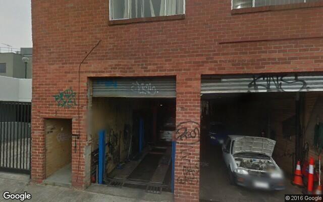 Garage near high street in Northcote