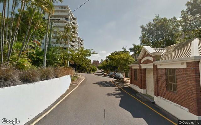 parking on Cairns Street in Kangaroo Point