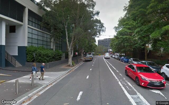 parking on Crescent Street in Waterloo Nueva Gales del Sur