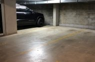Parking Photo: Crown Street  Woolloomooloo NSW  Australia, 34485, 117738