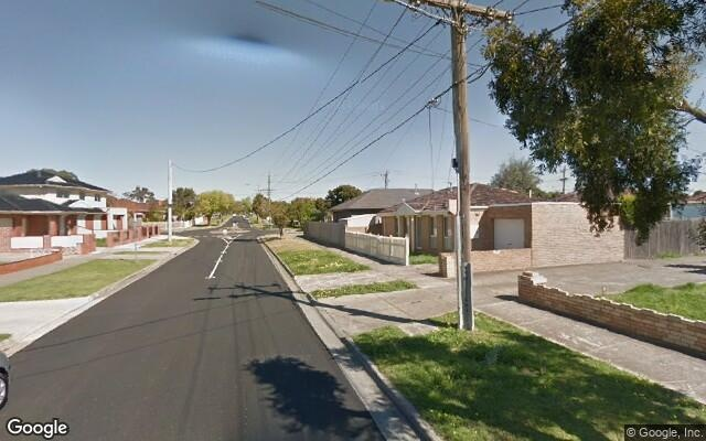 parking on Curtin Avenue in Lalor VIC