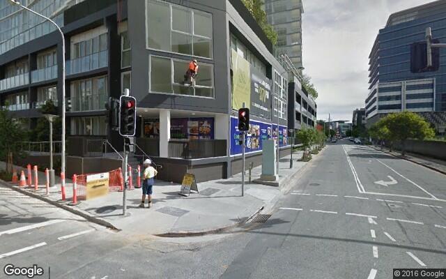 parking on Longland Street in Teneriffe