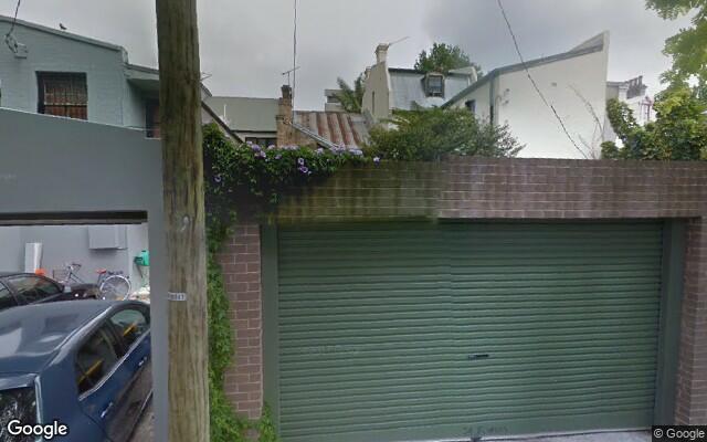parking on Flinders Street in Darlinghurst