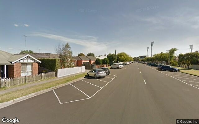 parking on Foster Street in South Geelong VIC