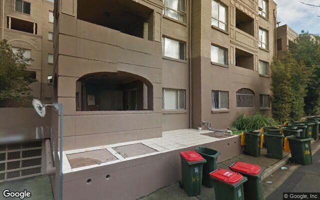 parking on Gladstone St in Kogarah NSW 2217