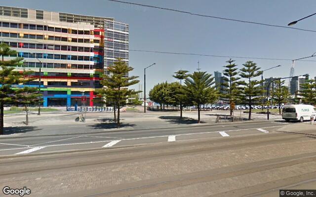 parking on Harbour Esplanade in Docklands VIC