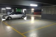 parking on Lonsdale Street in Melbourne VIC 3000