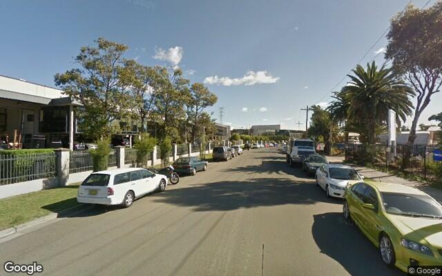 parking on Mangrove Lane in Taren Point