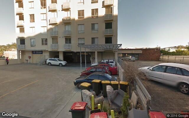 parking on Mann Street in Gosford