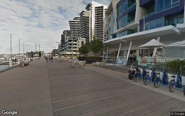 Great parking space in Docklands. Free tram zone