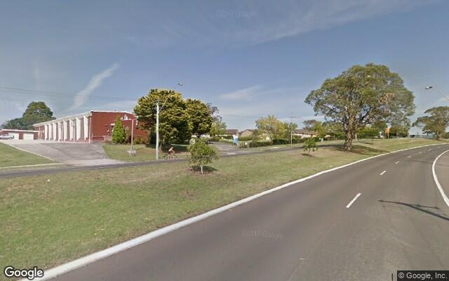 parking on Northcliffe Dr in Berkeley NSW 2506