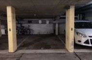 parking on Orchid Ave in Surfers Paradise QLD 4217